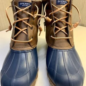 Size 9 Sperry duck rain boots. Leather and navy